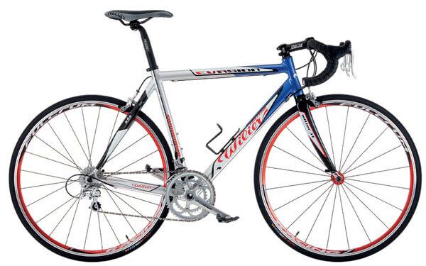 Спортивный трековый велосипед без переключателей передач