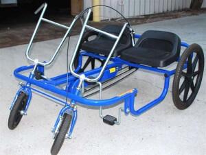 Двухместный взрослый трехколесный велосипед