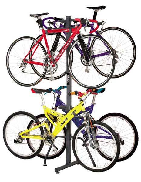 стойка или крепление велосипеда для хранения или ремонта его дома