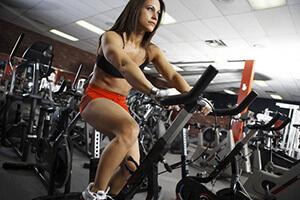 сколько калорий сжигает велосипед и велотренажер