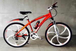 Велосипед с литыми дисками BMW Duo Red