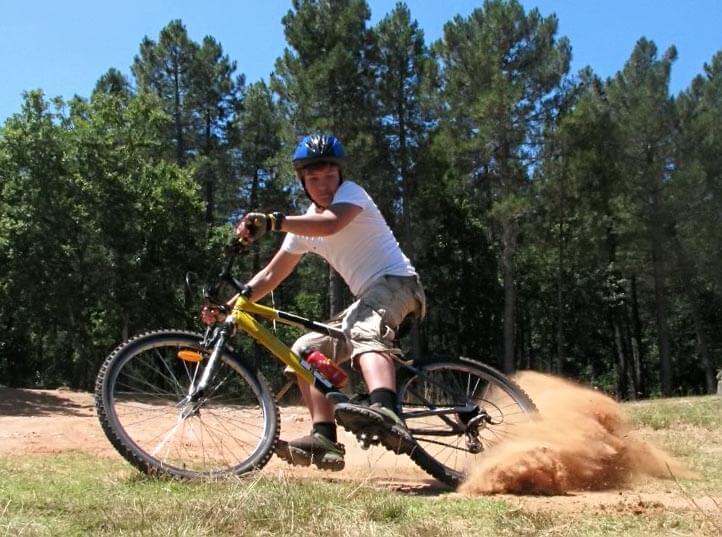 Как научиться кататься на велосипеде (заносы)