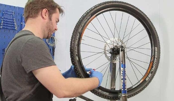 как заменить спицу на велосипеде